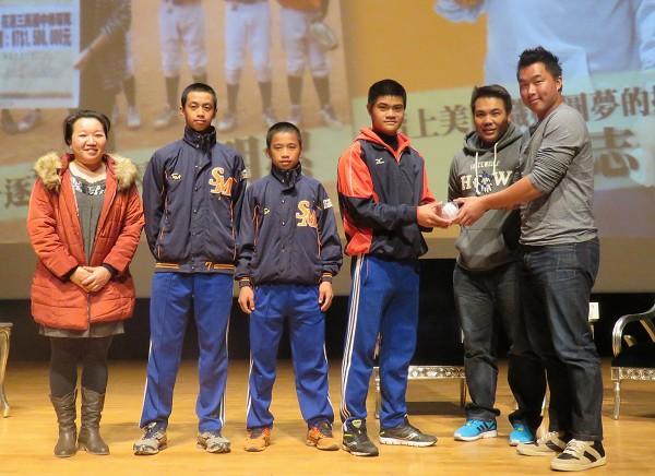 南山人壽舉辦全台巡迴講座 激勵年輕世代「夢想起飛」